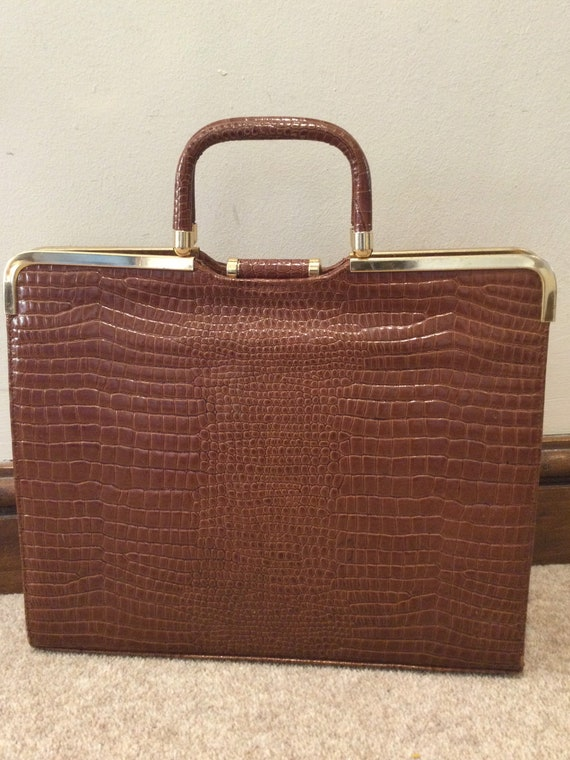 Large vintage crocodile effect leather top handled handbag/ case with snap closure fastening