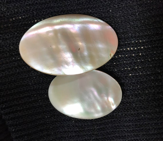 Pair of useful vintage mother of pearl Art Deco era plain everyday oval brooches