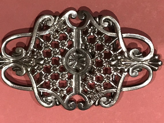 Ornate solid silver nurses buckle Chester Hallmarked maker RP