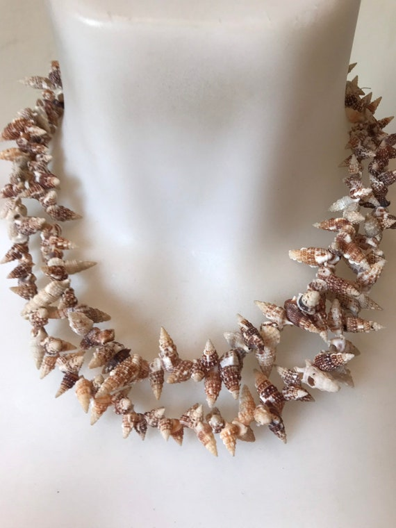 1970s vintage handmade 2 stranded beaded natural shell summer necklace