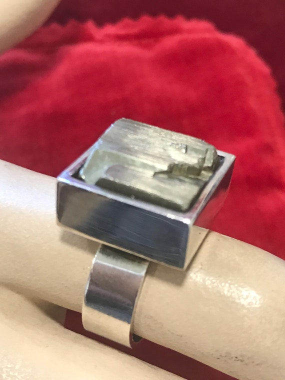 Solid sterling silver modernist 1969 iron Pyrite Statement ring size UK M US 6