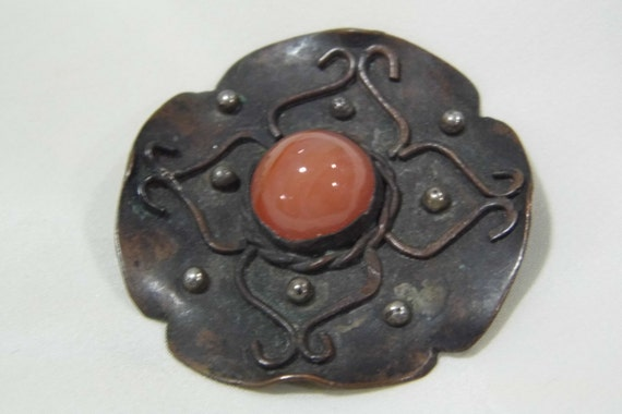 An unusual Vintage/Antique middle Eastern Banded Agate Brooch