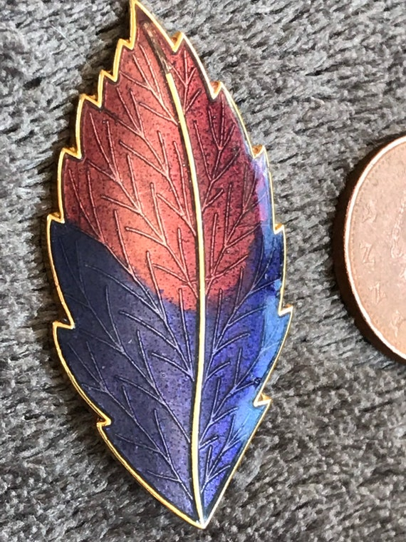 Vintage 1980s enamelled purple and pink leaf shaped floral brooch.