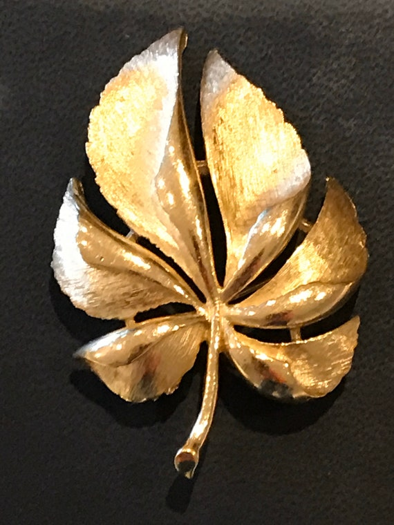 Original 1960s Crown Trifari brushed gold tone leaf brooch pin