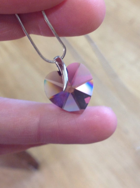 Contemporary style sterling silver purple crystal heart pendant necklace