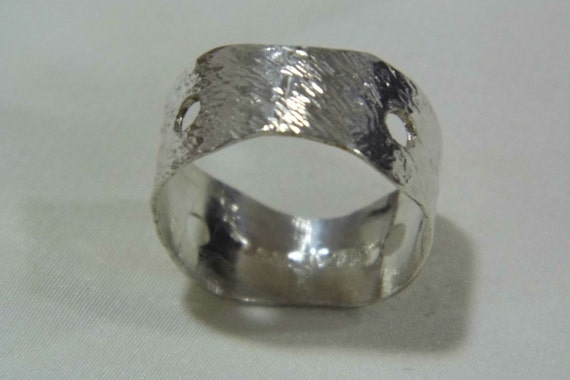 Vintage solid silver handcrafted modernist band ring 1979 US size 8 uk Q