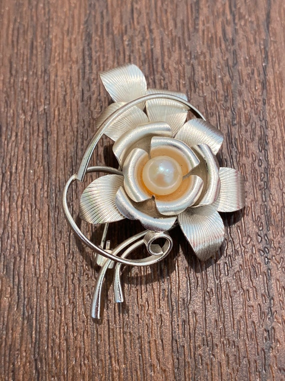 Beautiful vintage Chinese export silver pearl flower stem brooch pin