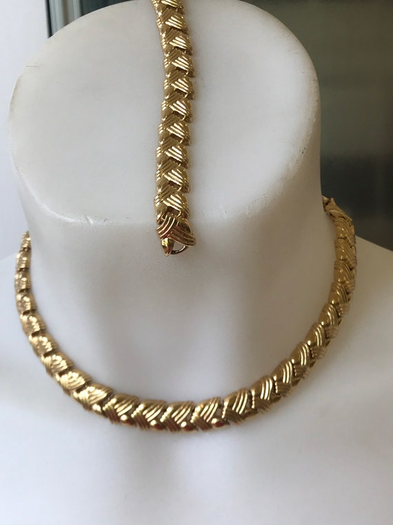 Gold plated vintage MONET thick chain-link panels choker necklace and bracelet set
