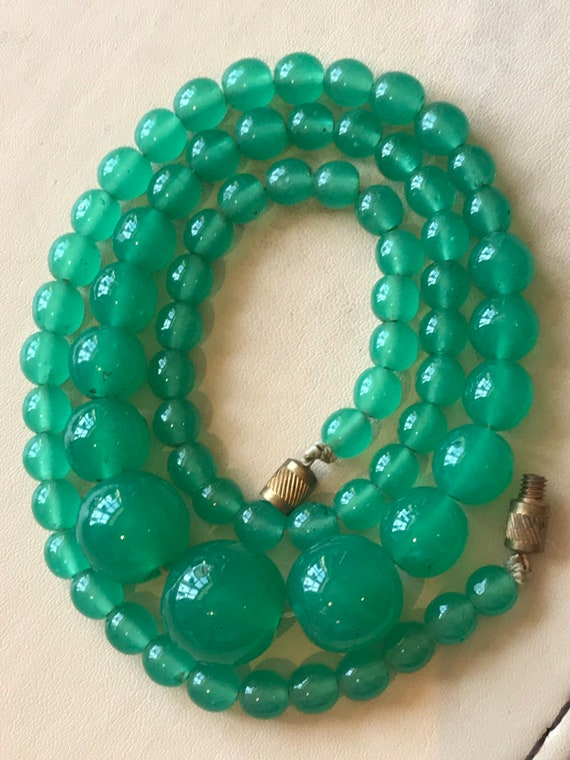 Stunning Vintage Art Deco 1920s 1930s sea green glass beaded Necklace.