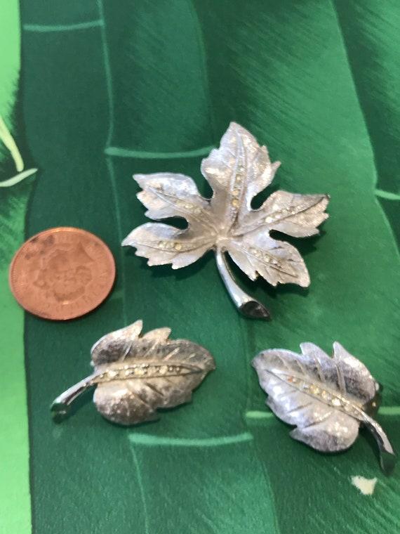 Set of 1950s Vintage Designer Charel brushed silver toned metal brooch and clip earrings