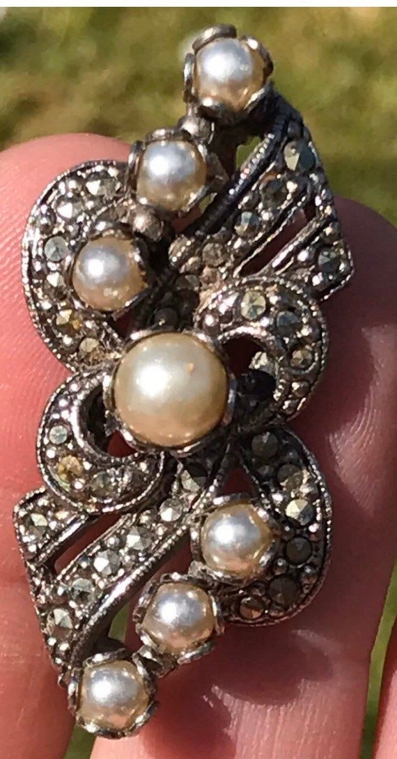 Unusual 1950s Vintage Brooch By makers MIRACLE Set With Faux Pearls And Marcasites
