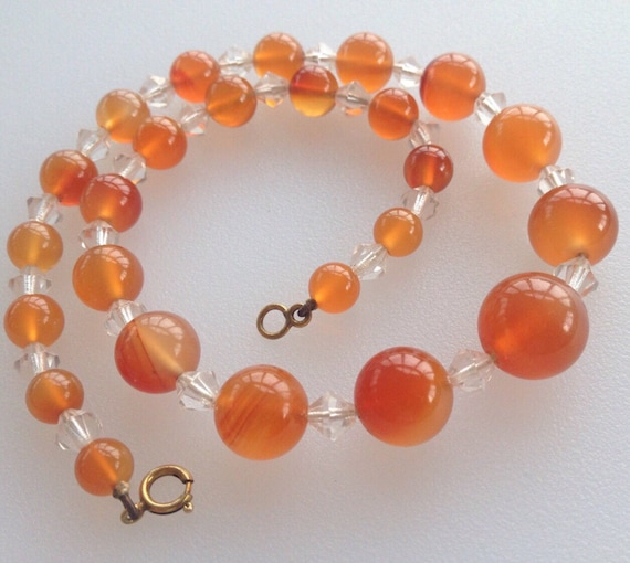 Art Deco era graduated banded agate beaded necklace