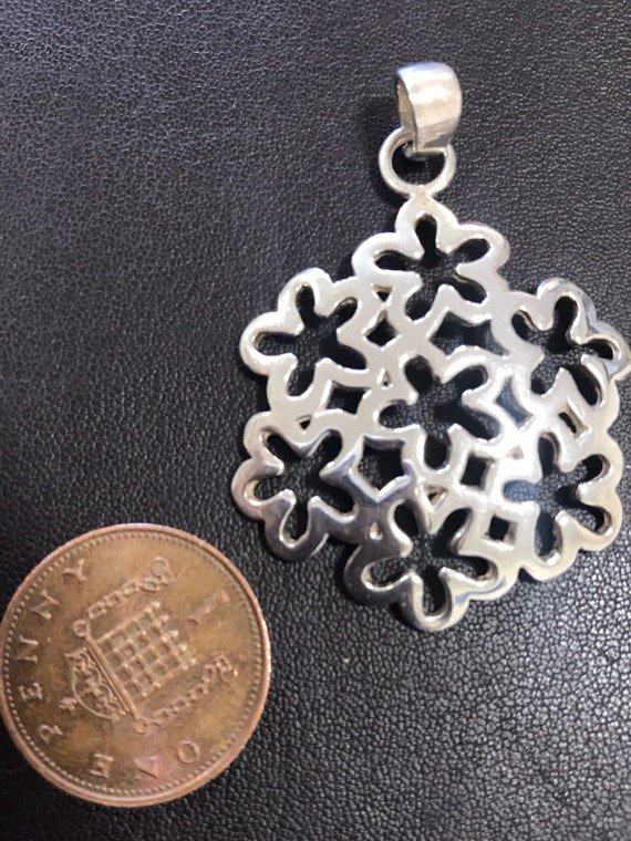 contemporary solid silver multi flower pendant 7 grams ideal birthday gift spring flowers