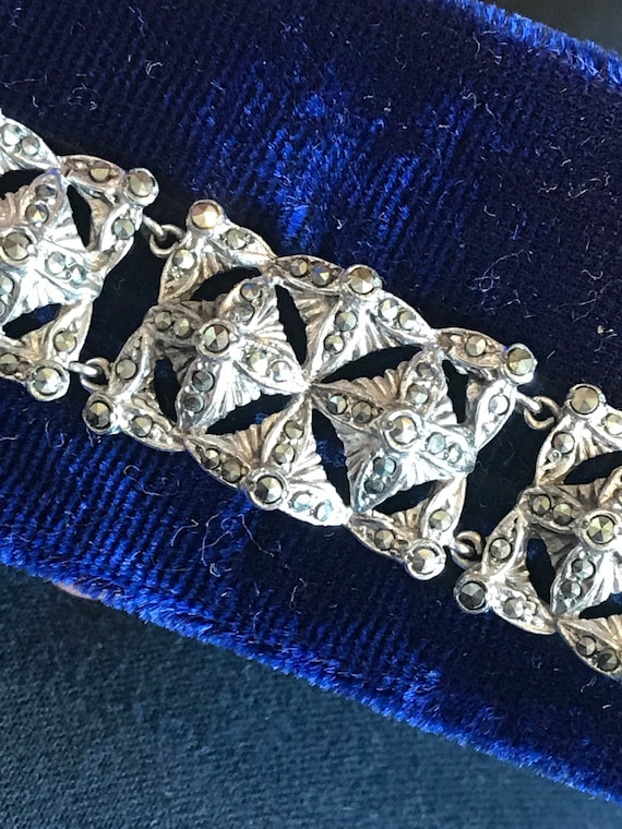 Beautiful vintage Art Deco rhodium plated Marcasite panel bracelet