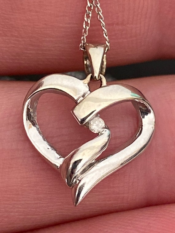 9ct white gold and diamond heart pendant chain necklace