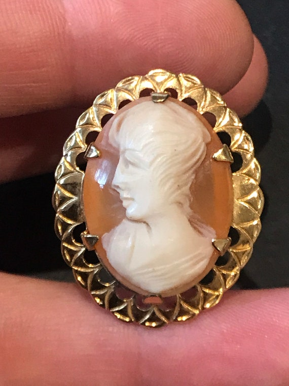 A vintage real shell carved cameo portrait brooch/pin/pendant in Rolled Gold ornate frame