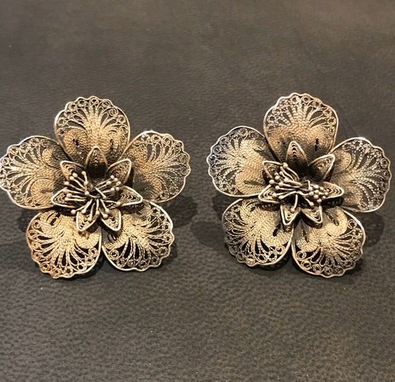 Old silver filigree flower clip on earrings signed DH 900