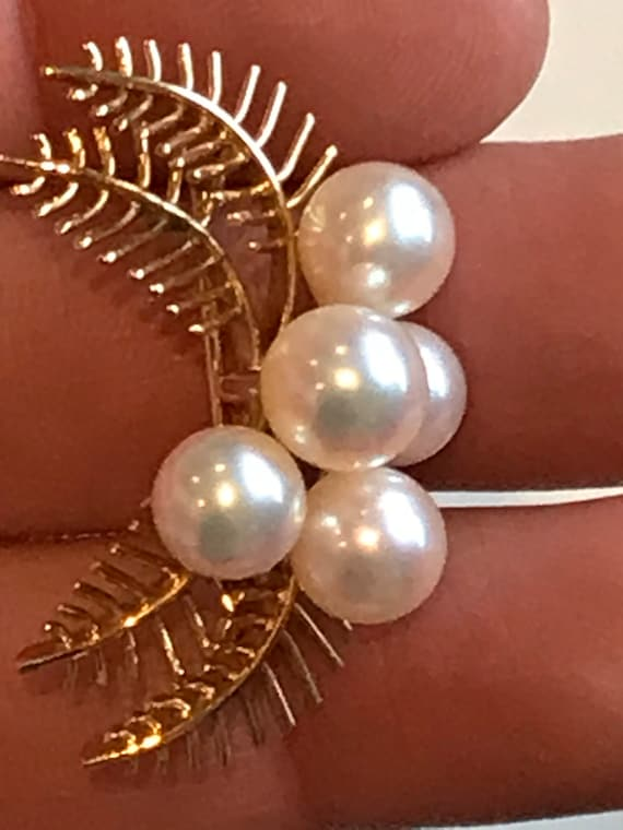 Vintage 18K yellow gold and cultured pearl brooch pin