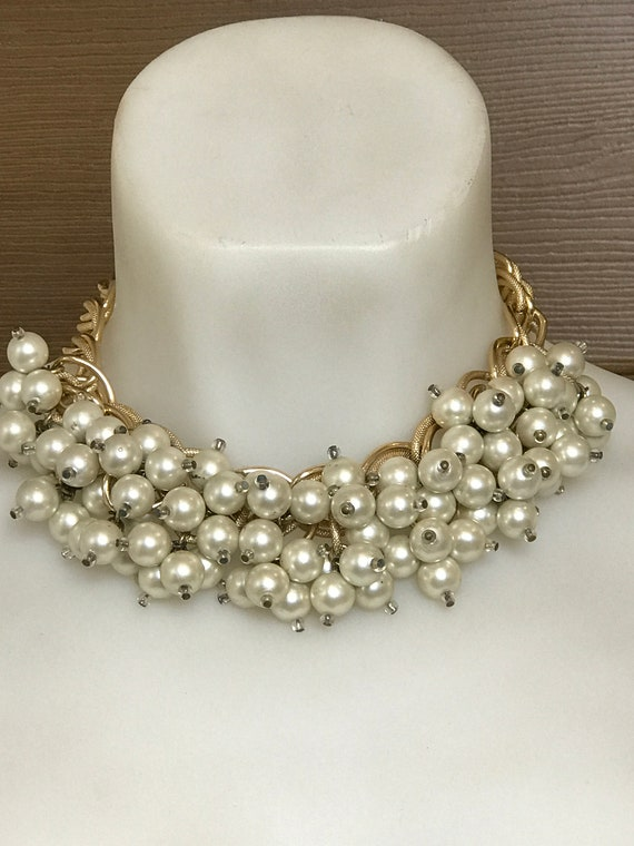 Statement piece gold toned chain choker necklace set with multiple beaded pearl droplets