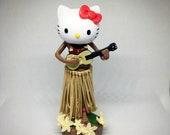 Aloha (Hello) Kitty Dashboard Hula (4.5 quot height)