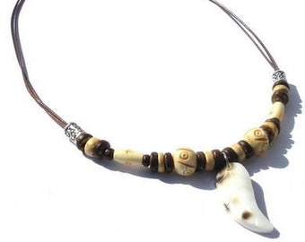 Men's necklace with coconut beads, carved bone beads and a shell pendant. Handcrafted necklace for men, surfer necklace, boho male jewelry