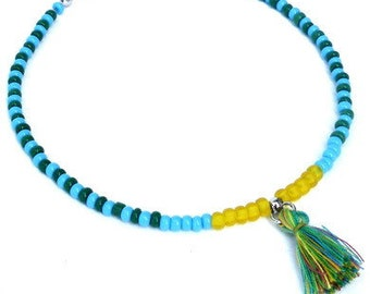 Anklet in green, turquoise, yellow with tassel. Handcrafted ankle bracelet with seed beads, beaded ankle chain, boho chic festival jewelry