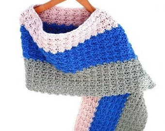 Crocheted shawl in the color powder pink, silver grey, lavender blue. Handcrocheted wrap, chunky scarf, trendy stole, fantasy pattern, vegan