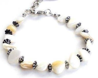 White shell bracelet with silver-colored beads. Handcrafted wristband, shell beads, bohemian chic jewelry, beachy wedding wristlet, festival