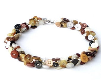 Short necklace with buttons in shades of brown. Collar in beige, écru, ivory white, light brown, dark brown. Choker Ibiza, boho chic, hippie