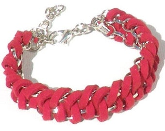 Bracelet red faux suede cords, silver-colored chain. Handcrafted braided wristband, red friendship bracelet, festival, bohemian chic, vegan