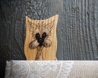 Cat bookmark made in wood