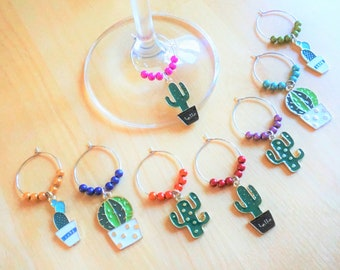 Set of 8 decorative wine glass identifiers, cactus plant charm. Glass markers, metal ring, accessory for wine. Accessories for house