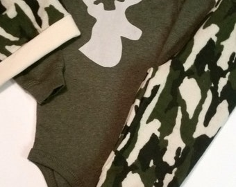 Camo, Baby Boy Camo Outfit, Camouflage Baby Bodysuit, Take Home Outfit, Baby Hunting Outfit, Daddys Little Hunter, Camo Baby Outfit, Deer