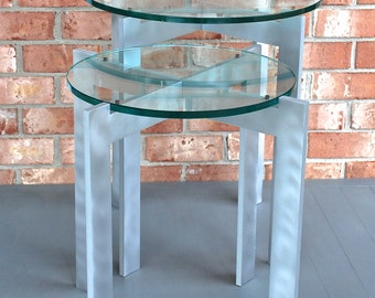 """End Table - 20"""" x 20"""" x 22"""" high with 20"""" diameter x 1/2"""" thick glass top"""