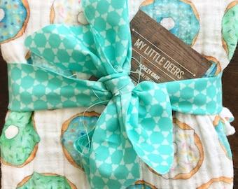 Baby Boy Muslin Swaddle Blanket, doughnut swaddle, boy Gauze Swaddle Blanket, blue swaddle, baby boy blanket