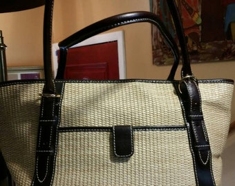 2fc388fad1a3 Vintage straw and leather Maxx of New York handbag