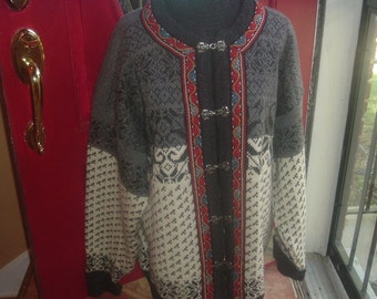 Vintage cardigan sweater, Made in Norway, Skjaeveland.