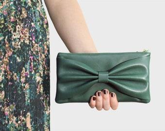 Looping clutch Selma – green Leather