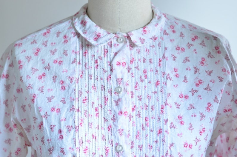 4d3710da79a5 Womens Vintage Button-Up Short-Sleeve White and Pink Rose | Etsy