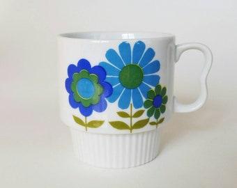 Vintage Japanese Stacking Mug   White with Blue Flowers   Retro Mod