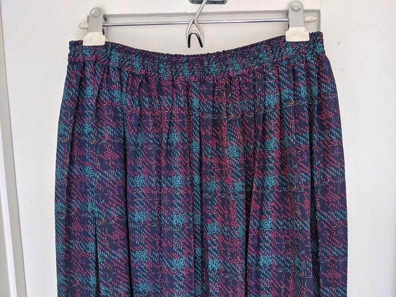 Vintage 80s ALFRED DUNNER Long Pleated Skirt Blue Plaid Pattern Print Elastic Waist Granny Womens Petite 6