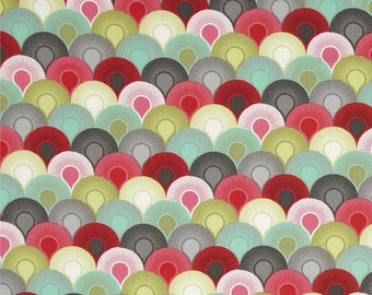 Chain Mail Fabric in Tart, Tula Pink Elizabeth, Gray, Green, and Red, Fat Quarter, Free Spirit, Fans, 16th century selfie