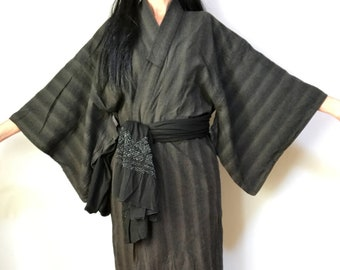 b0cf587439 Men s Cotton Kimono - Men s Yukata - Raw Cotton - Boho Kimono Robe -  Vintage Japanese Kimono - Samurai Robe - Men s Japanese Robe - Charcoal