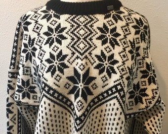 3afae4b1a42 Black   White  Voss  Unisex Nordic Snowflake Pattern Norwegian Pull Over  Sweater Size XL