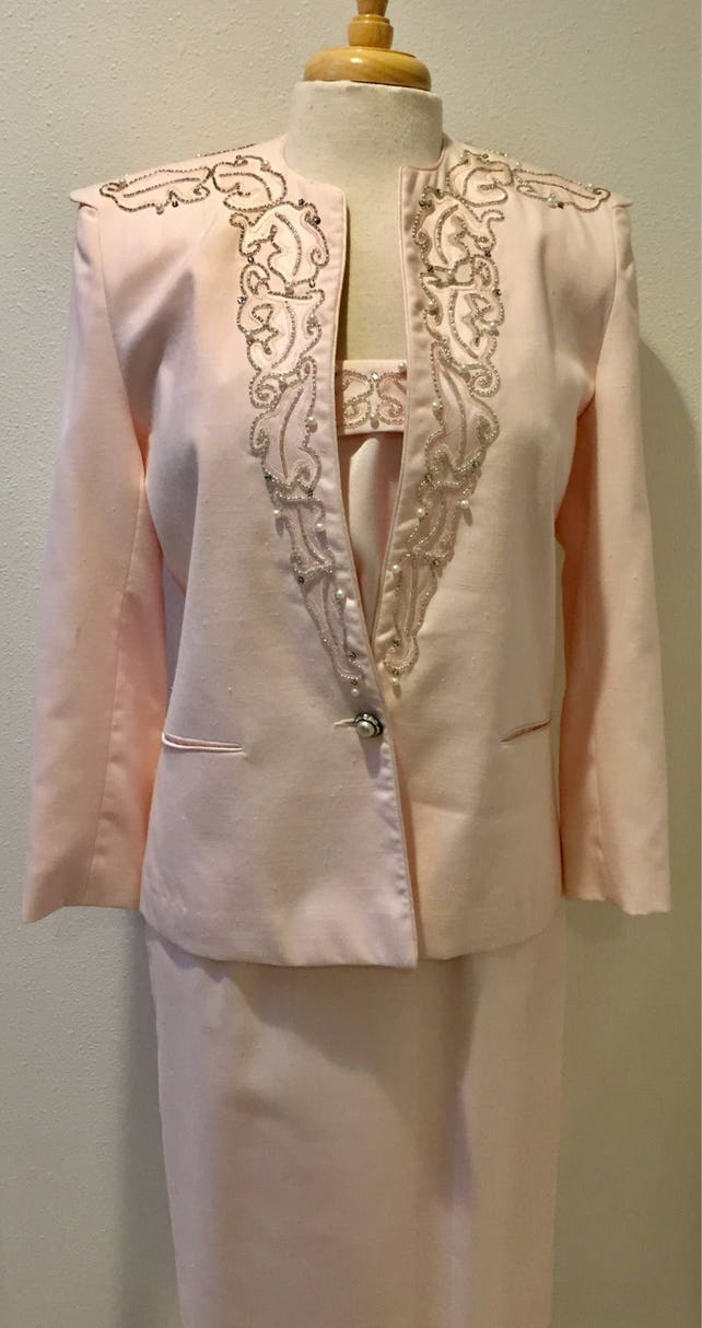 Stunning  Statement / Mother of Bride / Pink / Beaded & Rhinestones / 3 piece / Special Occasion Suit by Della Roufogali Ladies US Size 8