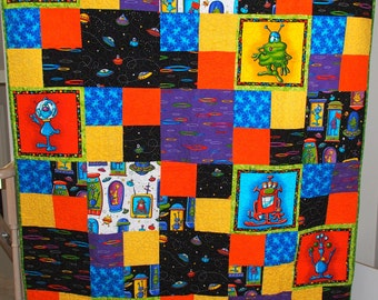 CLEARANCE: Alien Invasion quilt