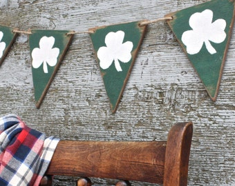 FREE SHIP Wood St Patrick's Day Decor Banner Pennant Garland Wood Tags Signs Green Shamrock Clover