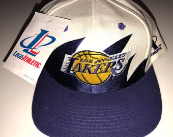 07735e789 NWT New Vintage Los Angeles LA Lakers Lebron James NBA Basketball Logo  Athletic Splash Sharktooth Paintsplash Snapback Hat Deadstock