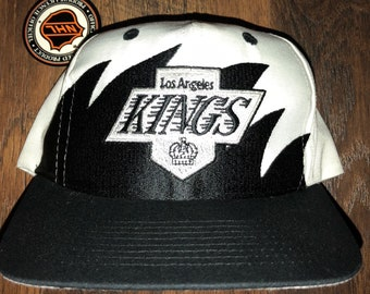 14ab8446 NWT New Vintage Los Angeles Kings Hockey NHL Logo Athletic Splash  Sharktooth Paint splash Snapback Hat Deadstock Logo 7