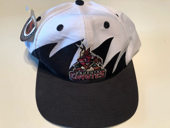 801ac09bf53 Rare Nwt New Vintage Logo Athletic 7 Phoenix Coyotes Shark